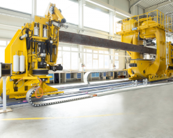 August 2015: MAE delivers the first 4.000 (ton) straightening press